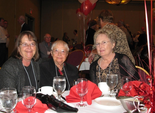 Susan Smith, her mom and Lynne Crosby Littlefield.